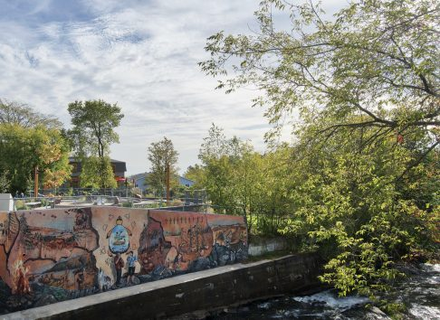 Fresque du peuple huron-wendat, autochtone - Musée huron wendat