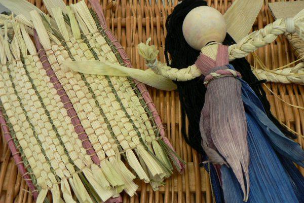 Ateliers sur les savoir faire, poupée de maïs - Musée huron-wendat