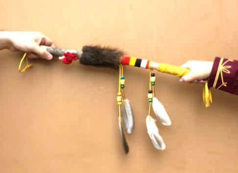 Bâton de la parole, tradition, autochtone - Musée huron-wendat